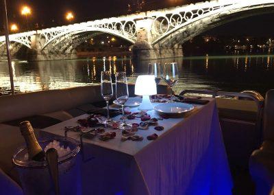 cena romántica por el guadalquivir